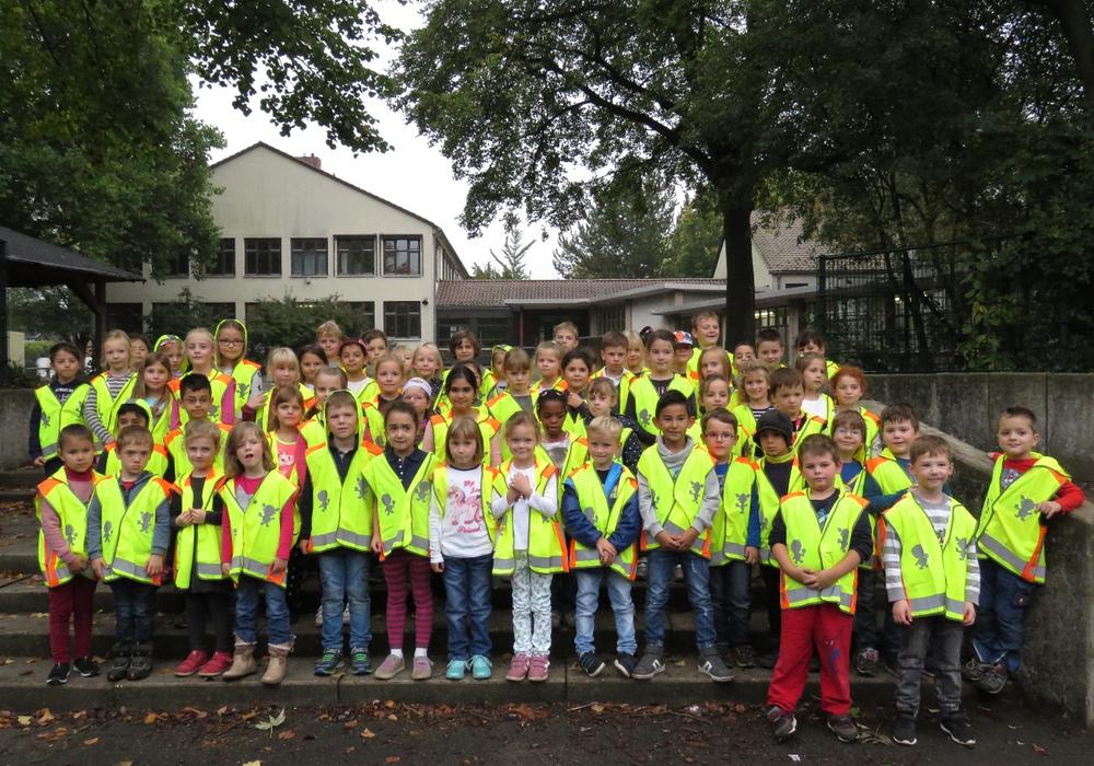 Die teilnehmenden Schülerinnen und Schüler der Wilhelm-Raabe-Schule. Foto: Strauß