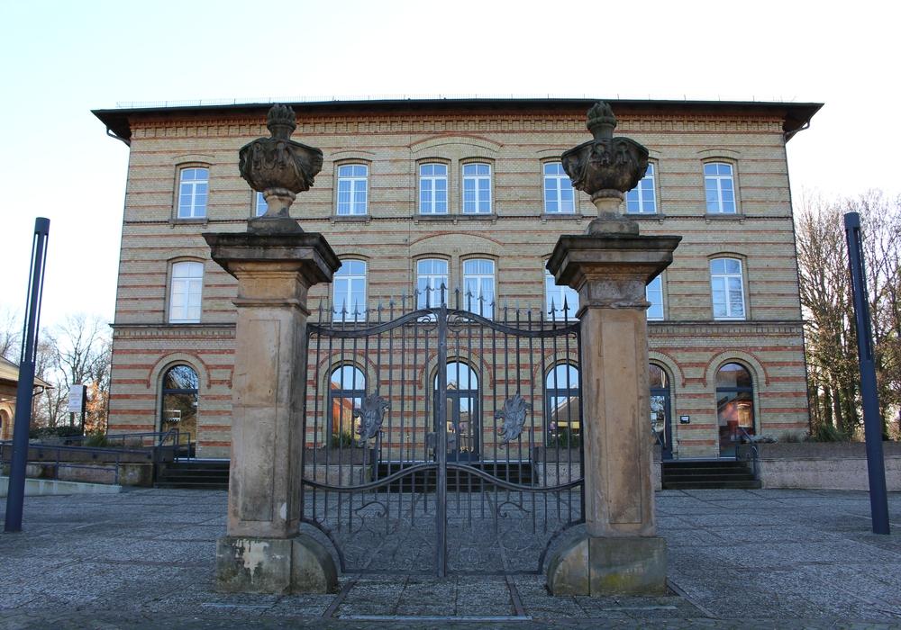Vor dem Bürgerzentrum auf der Hildesheimer Straße würde die Dult stattfinden. Foto: Frederick Becker