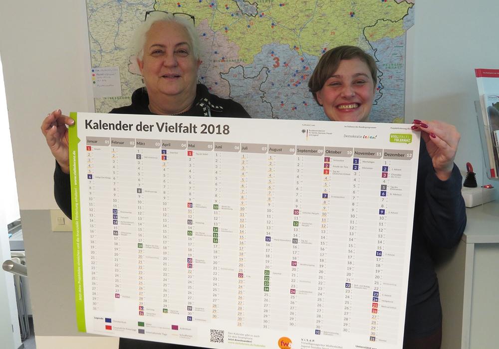 Von links: Agenturleiterin Astrid Hunke und Agenturmitarbeiterin Steffi Elina Bischoff. Foto: Freiwilligenagentur