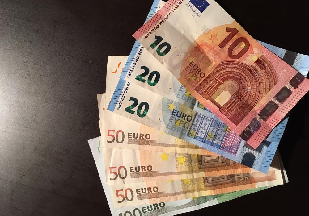 Die DLRG soll auch in diesem Jahr finanziell unterstützt werden. Symbolbild: Eva Sorembik