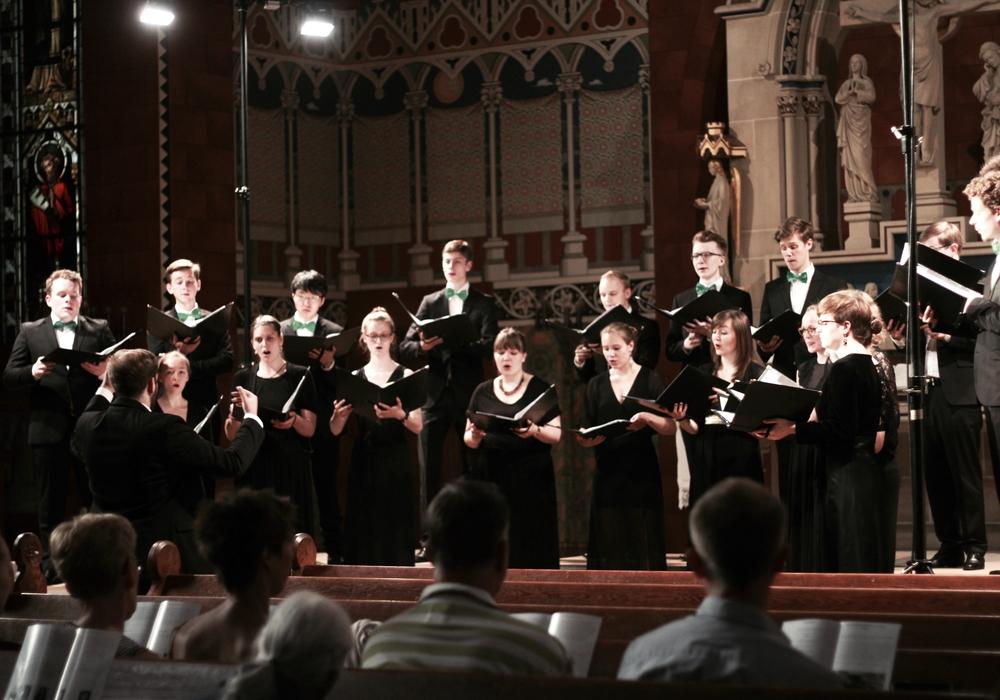Der Junge Kammerchor ist am 1. Mai in der St. Andreas-Kirche Braunschweig zu sehen. Foto: Veranstalter