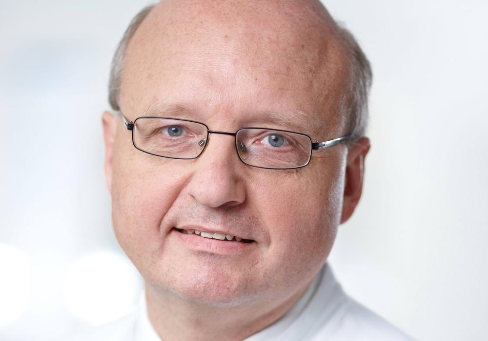 Dr. Dietmar Loitz, Chefarzt der Klinik für Unfallchirurgie und Orthopädische Chirurgie lädt am 7. März zum Vortrag. Foto: HELIOS Klinikum Salzgitter