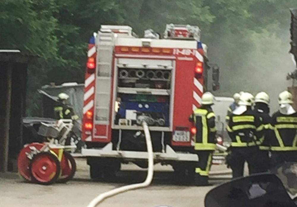 Die Feuerwehr konnte den Brand im Tonstudio schnell löschen. Foto: Feuerwehr Fallersleben
