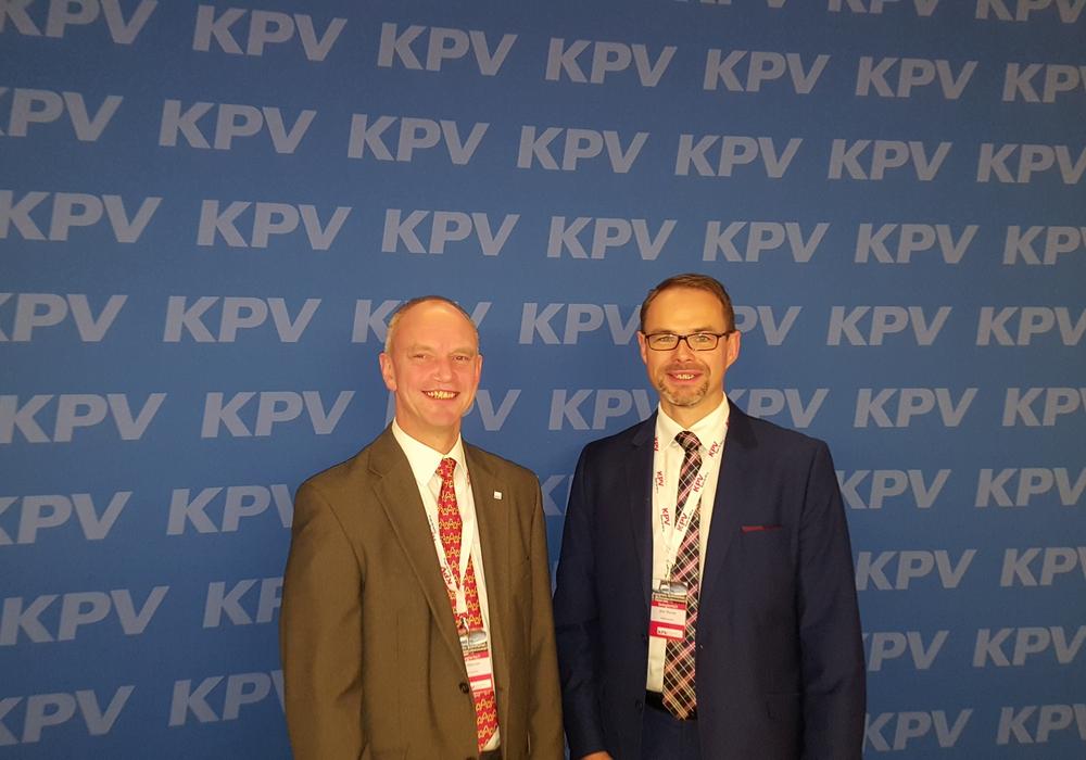 Jan Sibbbersen und Jens Thurow bei der KPV-Bundesvertreterversammlung in Braunschweig. Foto: KVP Wolfsburg