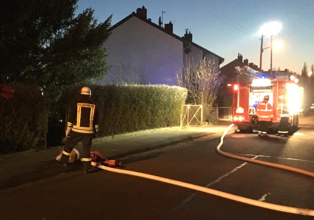 Die Feuerwehr Schandelah absolvierte eine Einsatzübung. Fotos: Feuerwehr Schandelah
