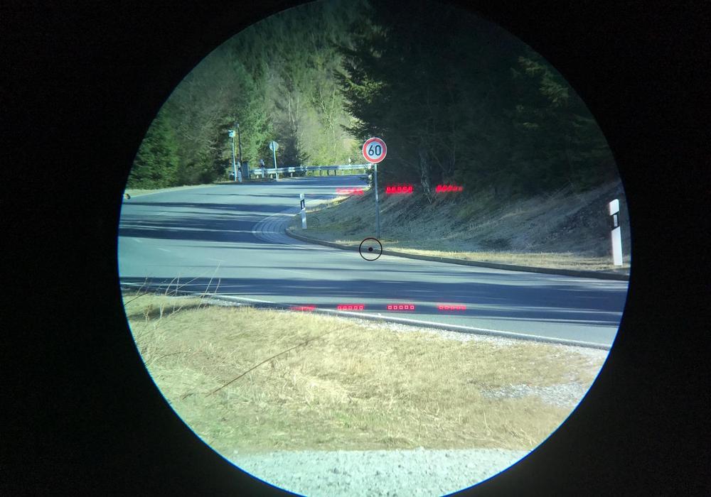 Blick durch die Laserpistole. Foto: Polizei Goslar