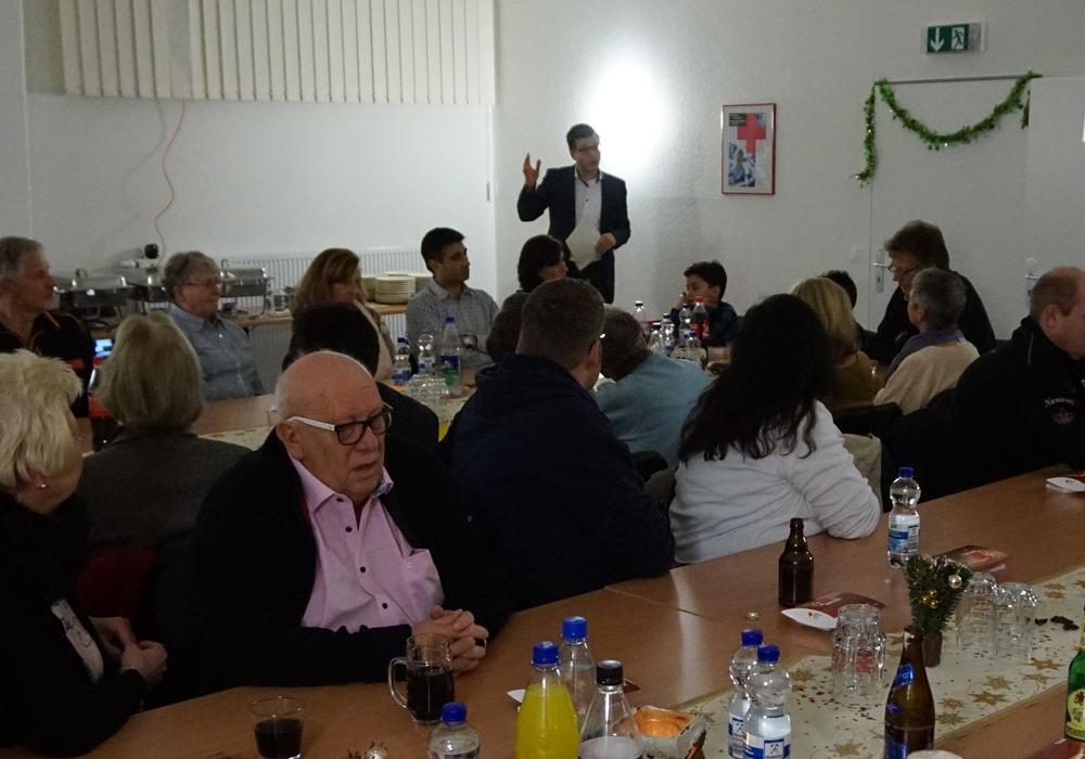 Björn Försterling spricht seinen Dank an die ehrenamtlichen Helfer des DRK-Ortsvereins Wolfenbüttel e.V. aus. Foto: Privat