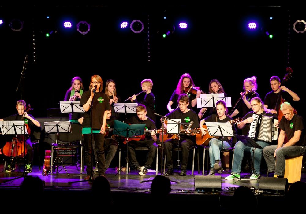 Das Folk-Ensemble Clover während eines Konzerts. Foto: Stadt Wolfsburg