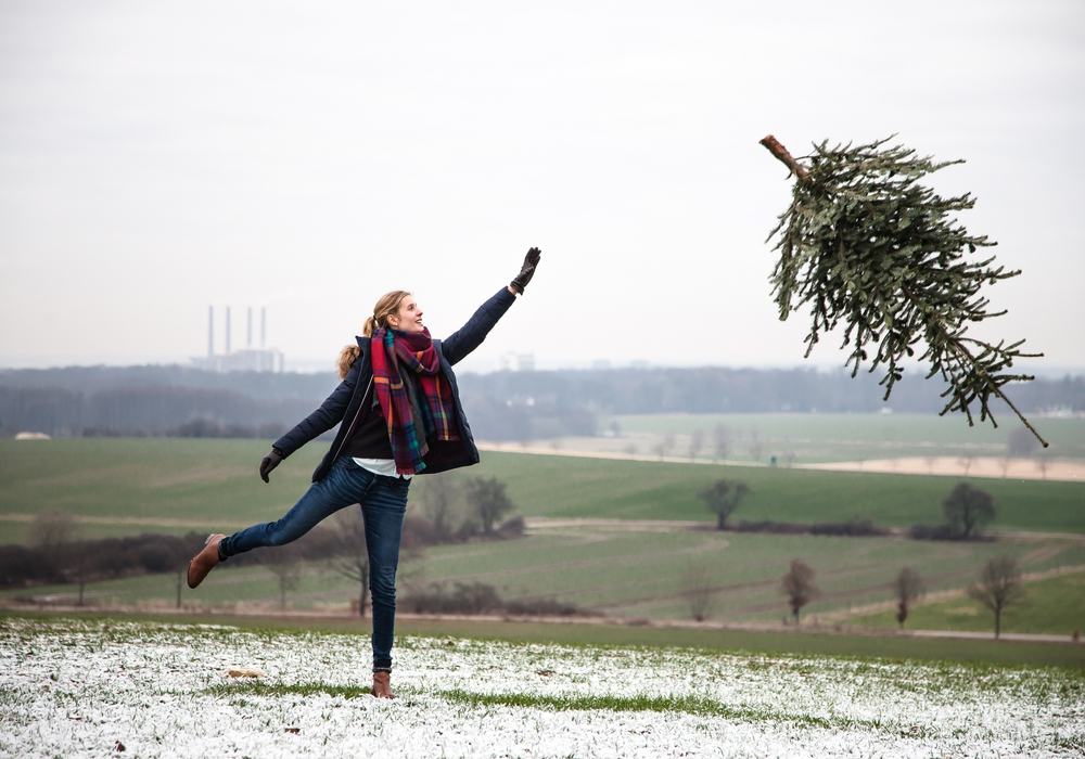 Weihnachtsbaum-Weitwurf-Challenge am verkaufsoffenen Sonntag. Foto: WMG