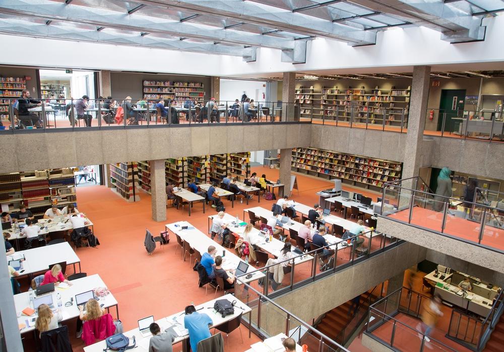 Die Universitätsbibliothek bietet Studierenden Unterstützung bei der Umsetzung von Schreibprojekten. Foto: TU Braunschweig