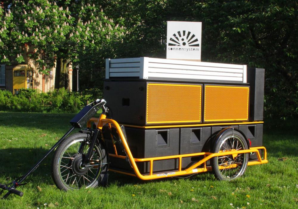 Sonnensystem auf Lastenfahrrad-Anhänger. Foto: Protohaus Braunschweig