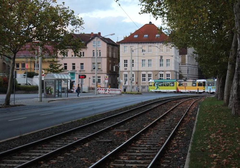Im Rahmen der Bauarbeiten werde die Verwaltung die Verkehrsführung am Leonhardplatz weiter beobachten. Foto: Archiv