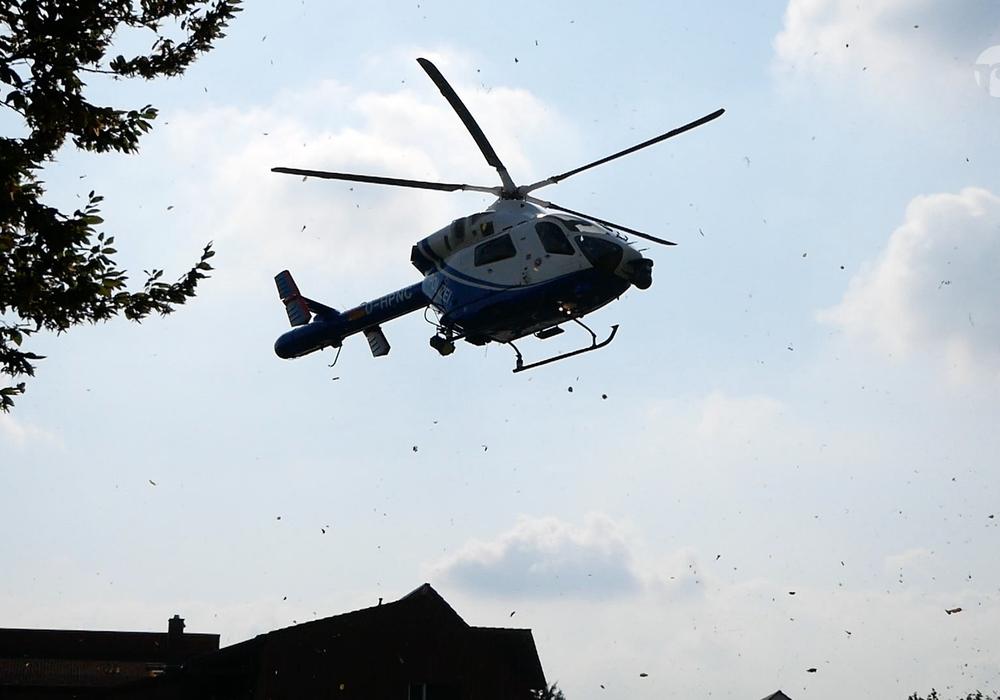 Auch der Hubschrauber kam bei der Fahndung zum Einsatz. Symbolfoto: Alexander Panknin