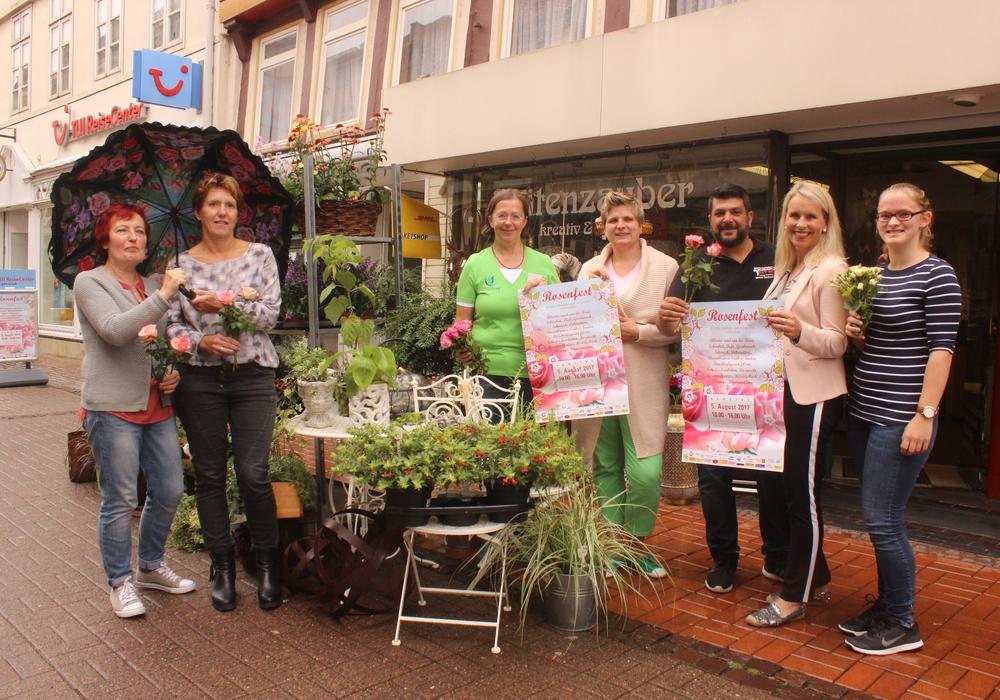 Am 5. August verwandelt sich die Fußgängerzone in ein Meer aus Rosen. Die Händler und Organisatoren freuen sich auf viele Besucher. Foto: Anke Donner