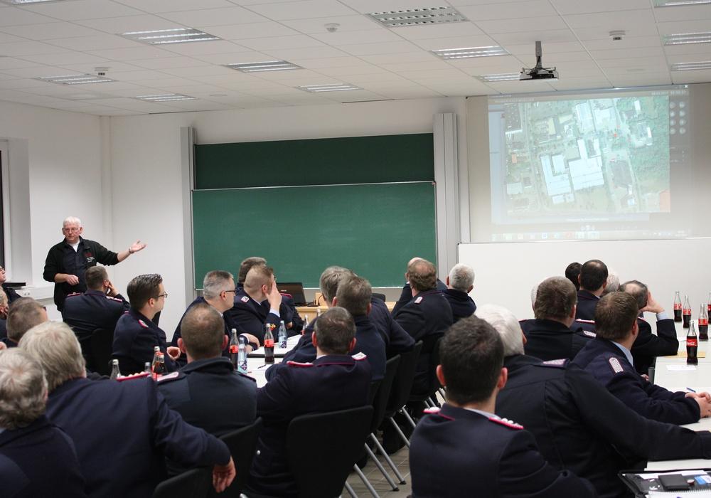 Die Fortbildung drehte sich rund um das Thema Einsatzleitsoftware. Foto: Pressegruppe Kreisfeuerwehr Goslar