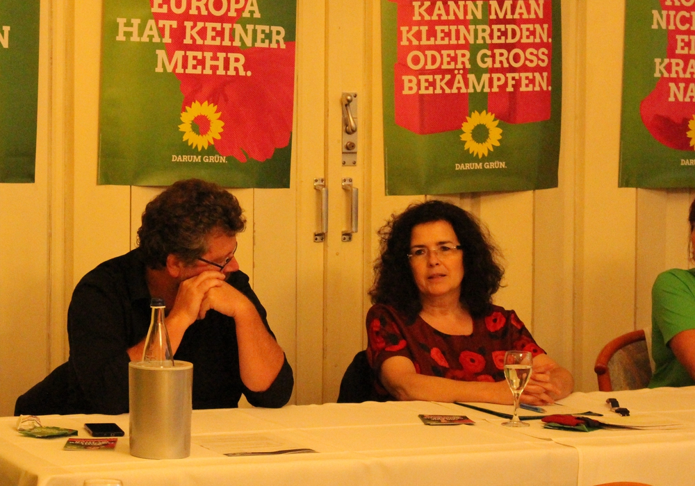 Landtagskandidat Heiko Sachtleben, die niedersächsische Wissenschaftsminsterin Gabriele Heinen-Kljajić (Mitte) und die Bundestagskandidatin Stephanie Weigand. Foto: Frederick Becker