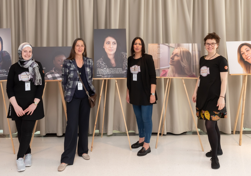 Hiba Alzeer, Heike Wolters-Wrase, Majda Lamssyeh und Madeleine Martin