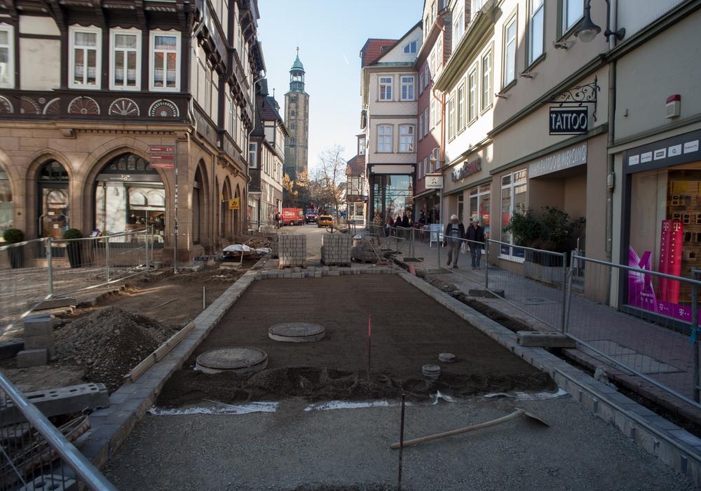 Bauarbeiten im letzten Jahr: Der Abschnitt Fleischscharren und Marktstraße wurde Ende letzten Jahres bis zur unteren Einmündung zum Marktplatz fertiggestellt. Nun folgt der fehlende Teil bis zur Ecke Charley-Jakob-Straße und Breite Straße. Foto: Alec Pein
