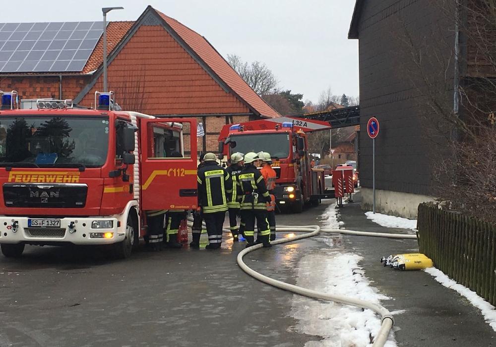 Brennende Gasflasche in Jerstedter Scheune. Foto: Frederick Becker