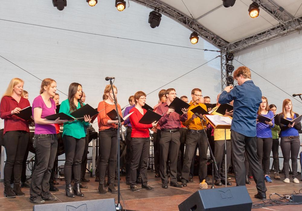 Sebastian Grünberg leitet zum letzten Mal den Chor der TU Braunschweig. Foto:  TU Braunschweig