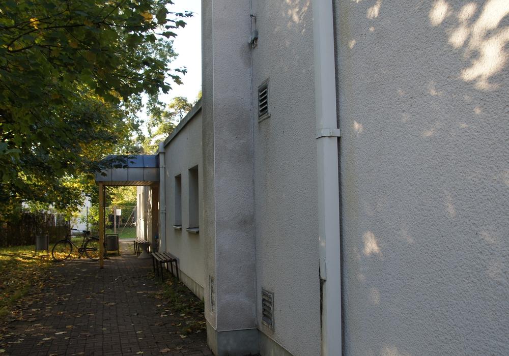 Die Sporthalle in Watenbüttel soll temporär zur Unterbringung von Flüchtlingen genutzt werden. Foto: Oliver Meinecke