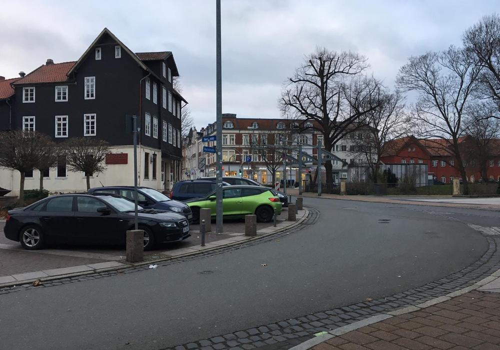 Dem Parken auf dem Harztorplatz wird ab morgen ein Ende gesetzt.