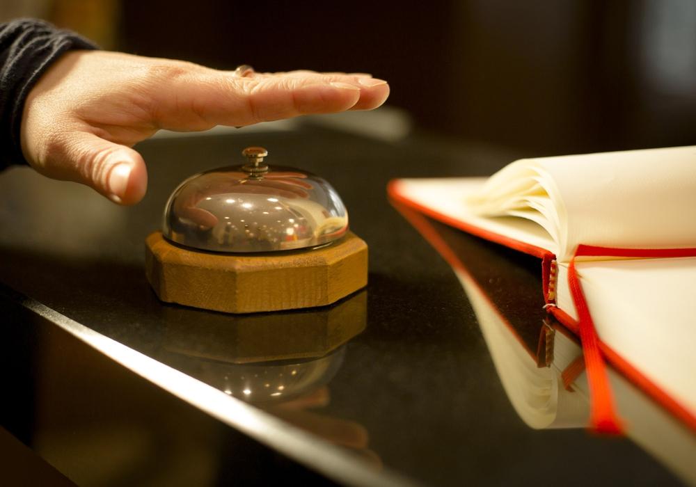 In heimischen Hotels und Pensionen klingelt es immer häufiger an der Rezeption – und damit in der Kasse.   Foto:Tobias Seifert / NGG