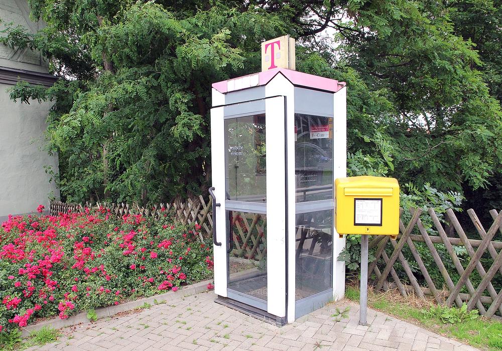 20 Telefonzellen in der Stadt Goslar sollen abgebaut werden, weil sie niemand benutzt. Fotos: Archiv
