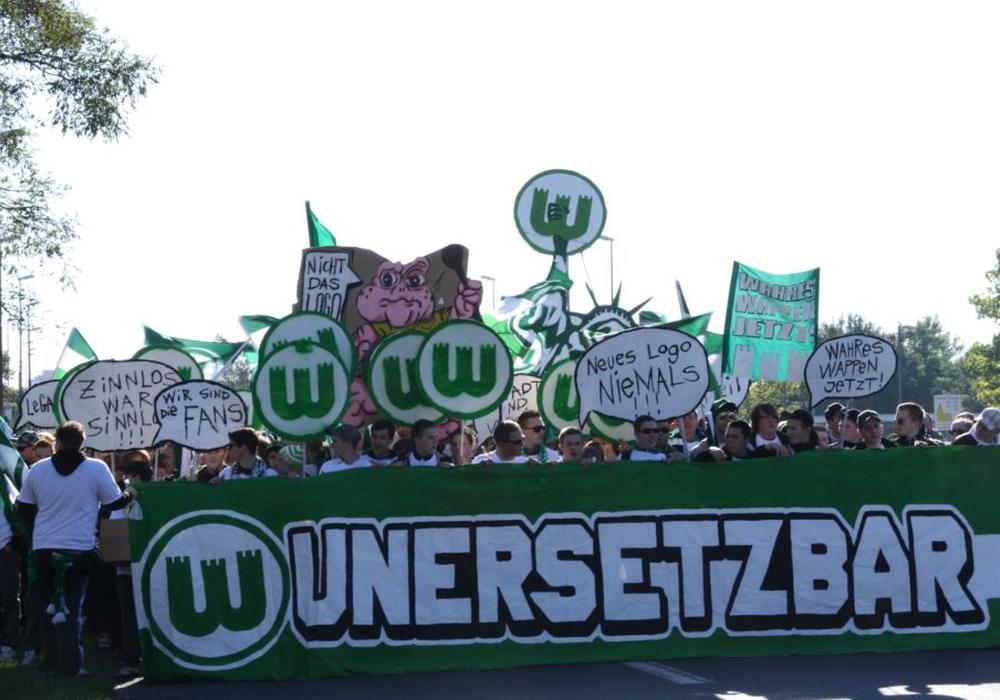 VfL-Fans erneuern Forderung für Rückkehr zum alten Wappen. Foto: Faninitiative FasZINNation Wolfsburg/Archiv