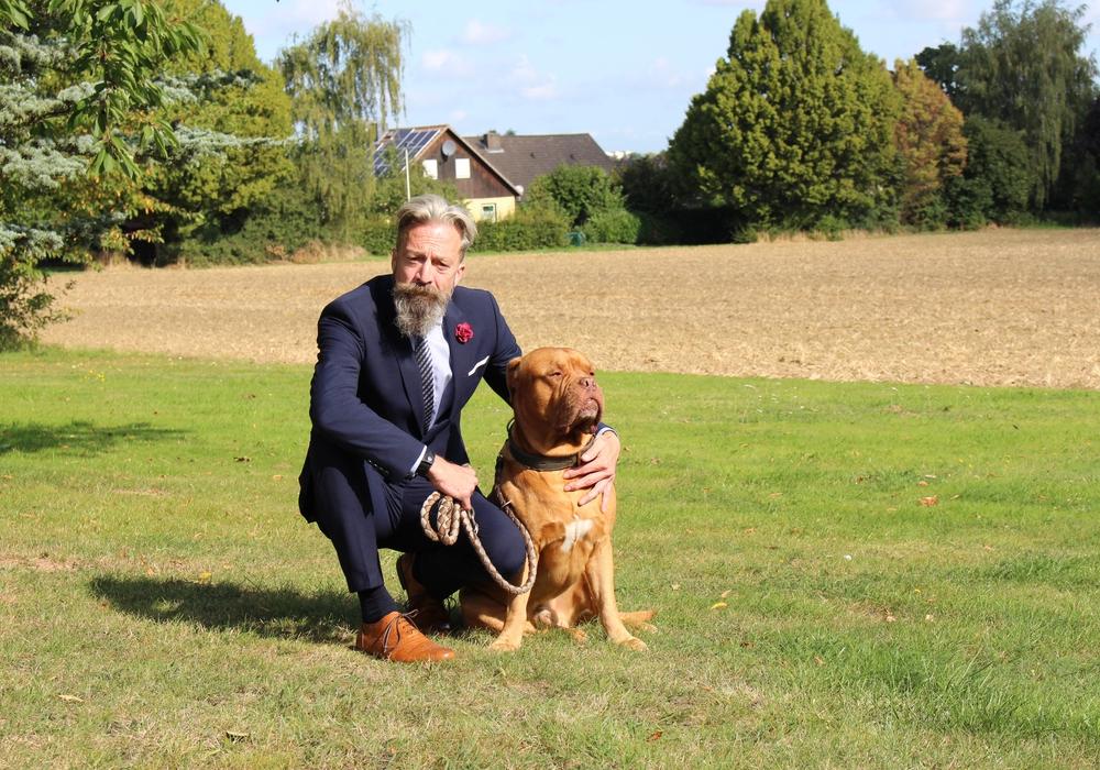 Oliver Diels mit seinem Hund Ares. (Archiv)