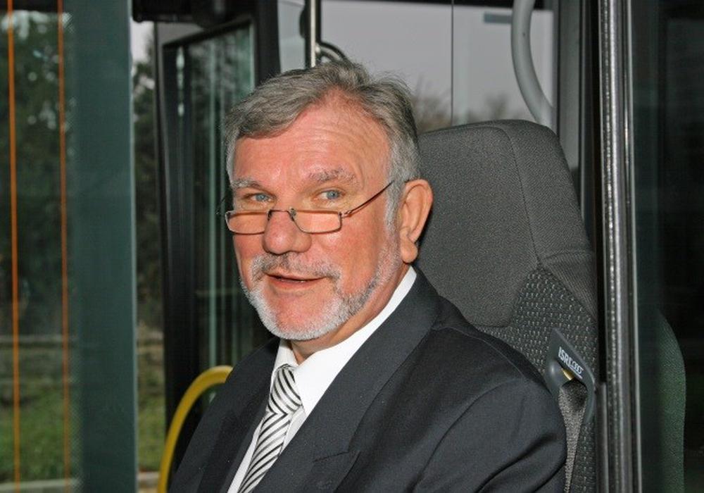 Die Kraftverkehrsgesellschaft mbH Braunschweig (KVG) trauert um ihren langjährigen, ehemaligen Geschäftsführer Ulrich Bethke. Nach einer schweren Krankheit verstarb Herr Bethke am 21. Juni 2016 im Alter von 67 Jahren. Foto: KVG