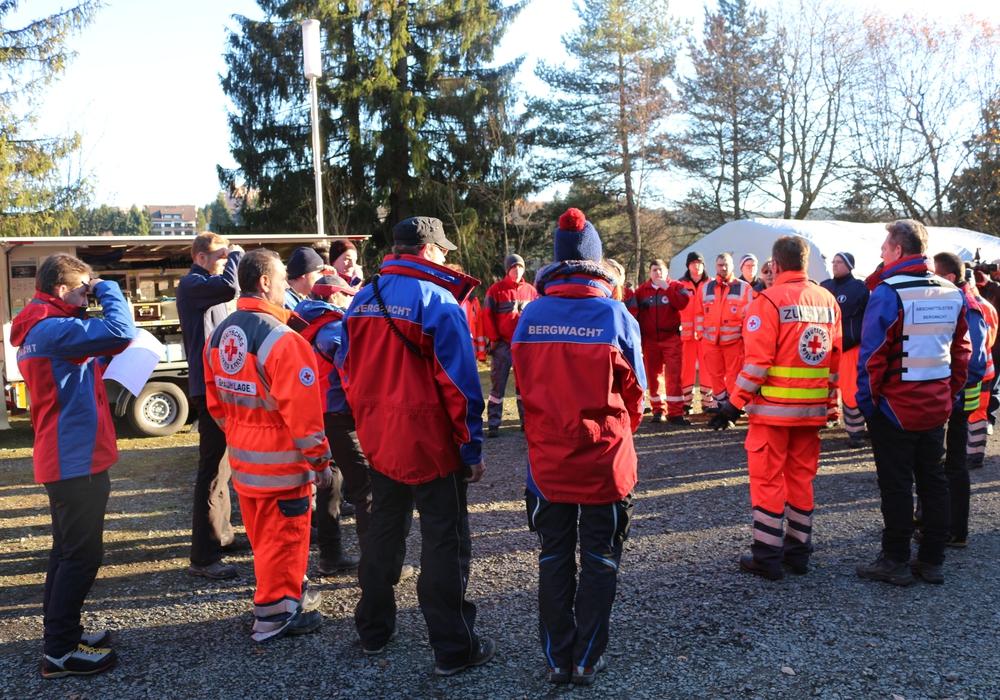 In Altenau wird nach einem vermissten 17-Jährigen gesucht. Fotos: Anke Donner /aktuell24