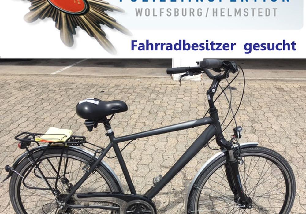 Das grau-schwarz lackierte Trekking-Fahrrad der Marke Sprick mit 28er Reifengröße konnte bisher nicht zugeordnet werden. Foto: Polizei Wolfsburg