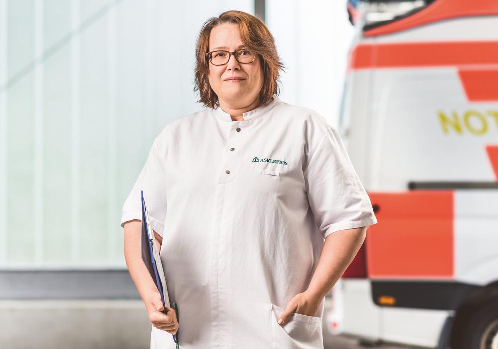 Dr. Ulrike Cretan warnt im Vorfeld des Jahreswechsels vor dem unachtsamen Umgang mit Knallkörpern. Foto: Asklepios Harzkliniken GmbH