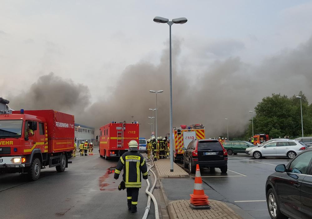 Der Großbrand beschäftigte die Feuerwehr die ganze Nacht. Foto: Kreisfeuerwehr Goslar