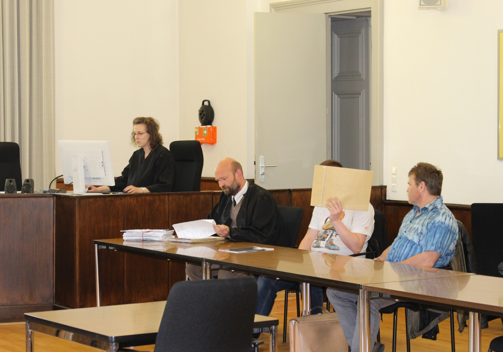 Ein 27-jähriger muss sich seit heute wegen Kindermissbrauchs in zwei Fällen vor dem Landgericht Braunschweig verantworten. Foto: Eva Sorembik