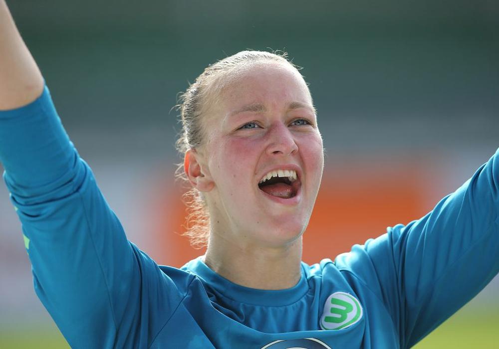 Torhüterin Almuth Schult hat ihren Vertrag beim VfL Wolfsburg vorzeitig verlängert. Foto: Agentur Hübner/Archiv