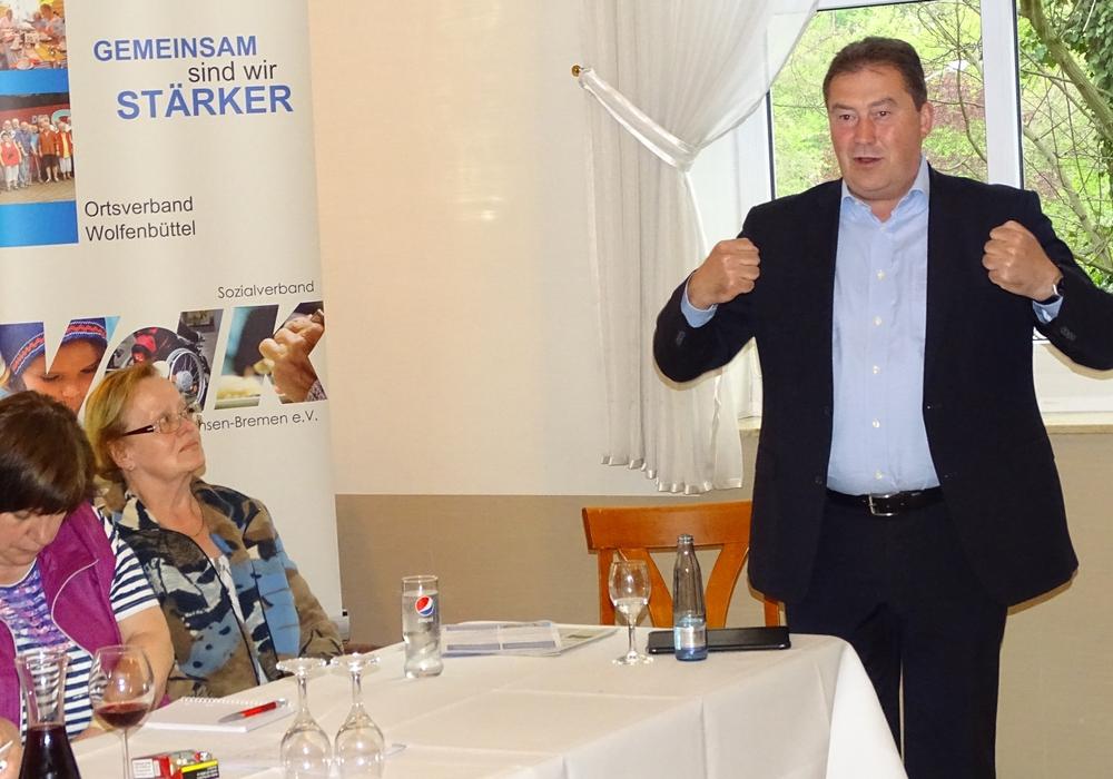 Uwe Lagosky zu Besuch beim VdK. Fotos: VdK