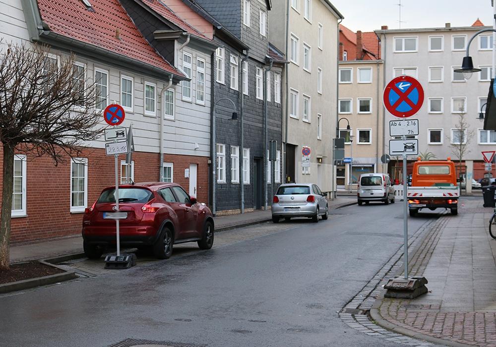 Die Stadtverwaltung kehrt die Einbahnstraßenregelung an der Harzstraße um. Foto: Werner Heise