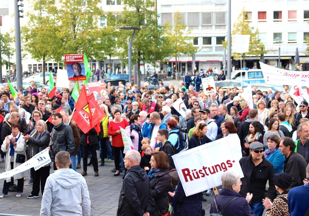 Das Bündnis gegen Rechts will am Samstag gegen die AfD-Veranstaltung in der Stadthalle protestieren. Foto: Archiv/Sina Rühland