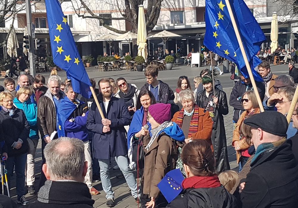 Am Sonntag wurde auf dem Schlossplatz für die europäische Idee demonstriert. Foto: privat