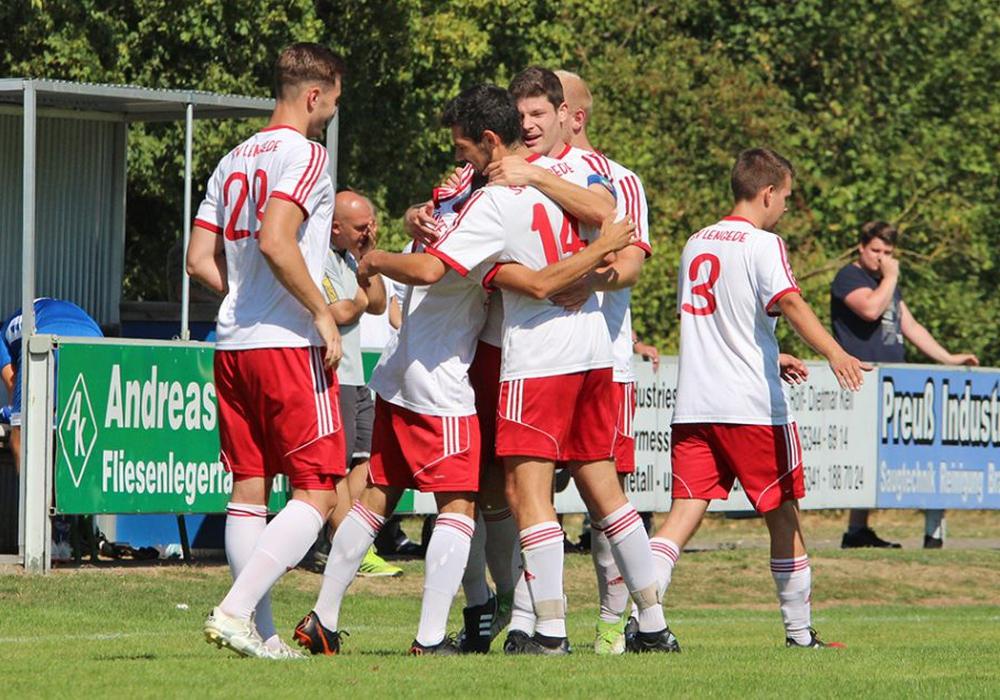 Deckel drauf: das 2:0 durch Lasgin Youssef war die Entscheidung für den SV Lengede. Fotos: Frank Vollmer