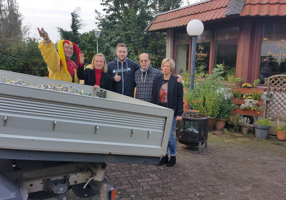 Till Eulenspiegel, Dag Wachsmann, Gemeindebürgermeisterin Dunja Kreiser, Oliver Jopek, Getränkemarkt, Hâmi und Christine Sayil. Foto: Privat