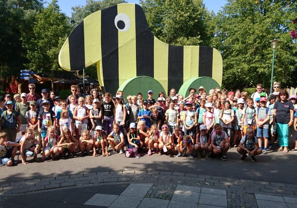 Gruppenbild mit Tigerente. Foto: Samtgemeinde Elm-Asse