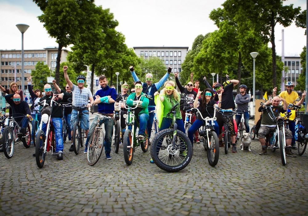 Charity Fatbike-Tour: WirSuperhelden radeln 1.240 km durch Deutschland und sammeln Geld für regionales Kinderheim in Braunschweig. Foto: Christina Stihler