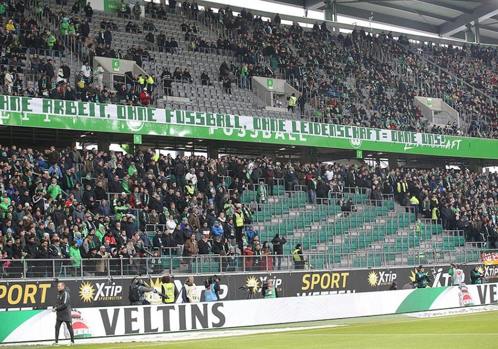 So sah der Fan-Protest, auf den sich der Taz-Artikel bezog, im Spiel gegen Bayern München aus. Foto: Agentur Hübner