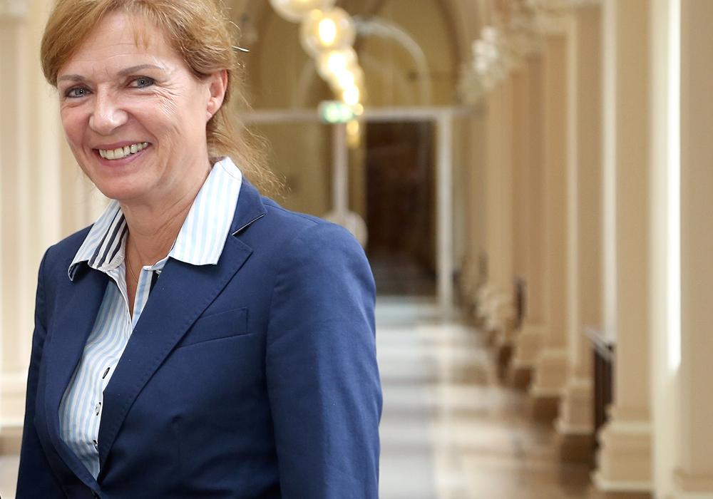 Dr. Andrea Hanke stellt sich den Fragen der Bürger. Foto: Stadt Braunschweig / Nielsen