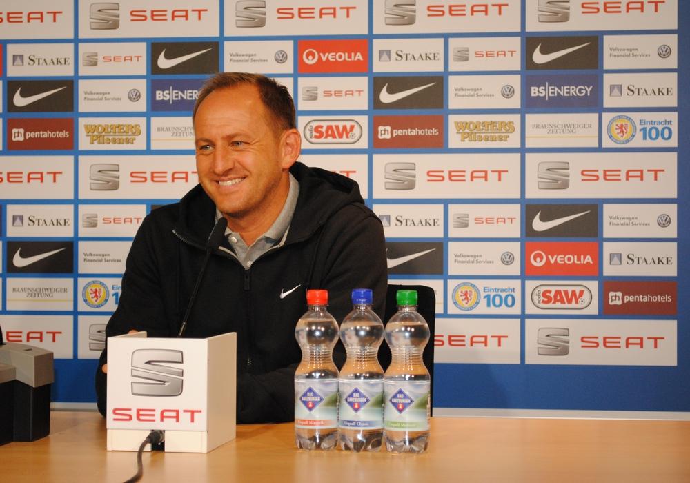 Eintracht-Trainer Thorsten Lieberknecht konnte sich zumindest über das Ergebnis freuen. Symbolbild: Anke Donner