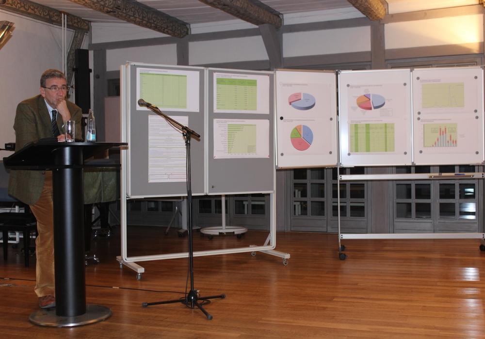 Das Rathausgespräch fand am Dienstag im kleinen Rahmen statt. Bürgermeister Thomas Pink wertete dies als gutes Zeichen. Foto: Anke Donner
