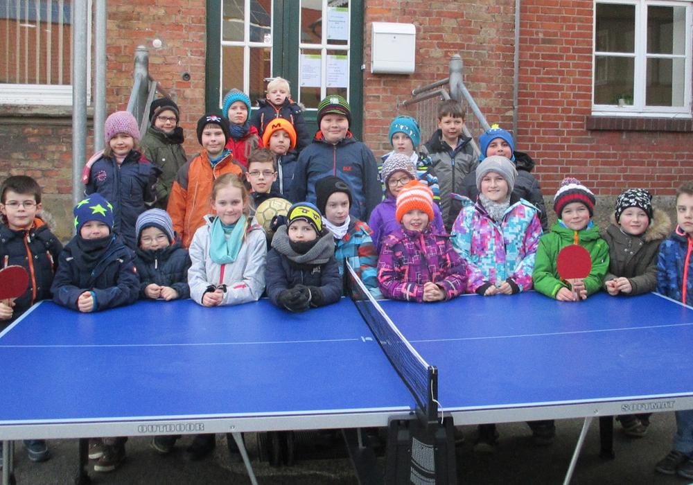 Die Kinder freuten sich unter anderem über eine neue Tischtennisplatte. Fotos: Stadt Wolfenbüttel